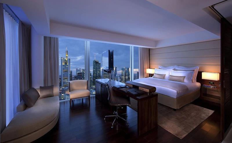 فنادق فرانكفورت 5 نجوم لشهر العسل للعرسان
