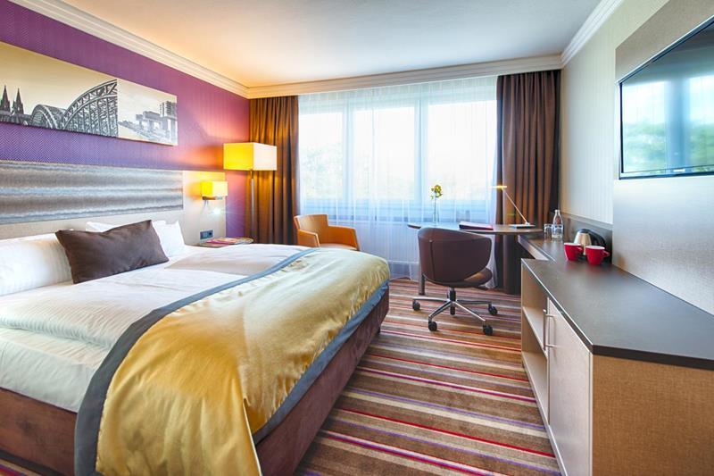 فنادق كولونيا 4 نجوم العائلية